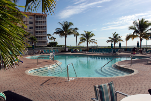 Pool lift - wheelchair accessibility at Sarasota Lido Beach resort family beach vacation