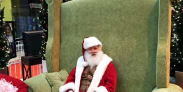 Special Needs Santa Photos with Simon Mall's Caring Santa